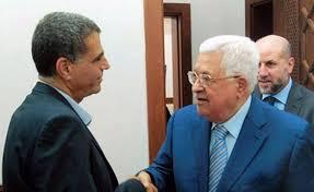 عباس يوافق على العرض الأمريكي بالكنفدرالية