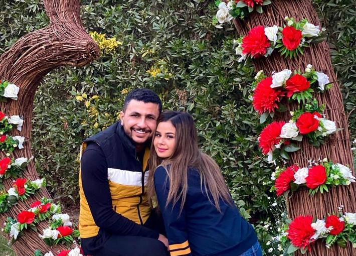 منة عرفة تعلق على خطوبتها من علي غزلاني قائلة: مافيش حاجة بينا ولا هيبقى